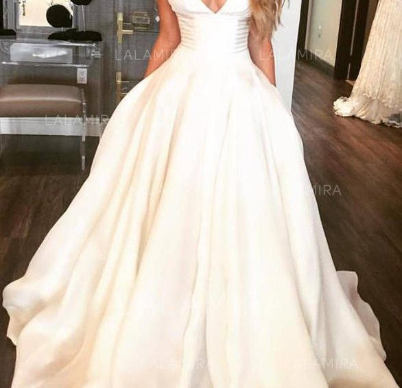 How to choose a wedding dress?  Don't listen to so many suggestions, listen to yourself